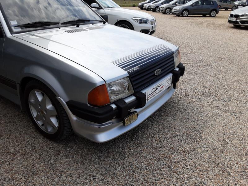 Photo 10 de l'offre de FORD ESCORT RS 1.6 i à 9900€ chez Centrale Auto Marché Mussidan