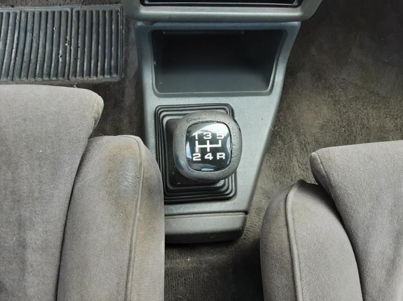 Photo 40 de l'offre de FORD ESCORT RS 1.6 i à 9900€ chez Centrale Auto Marché Mussidan