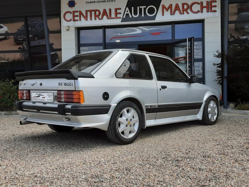 Photo 11 de l'offre de FORD ESCORT RS 1.6 i à 9900€ chez Centrale Auto Marché Mussidan