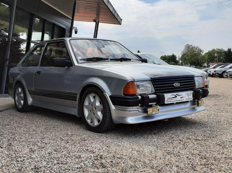 Photo 9 de l'offre de FORD ESCORT RS 1.6 i à 9900€ chez Centrale Auto Marché Mussidan