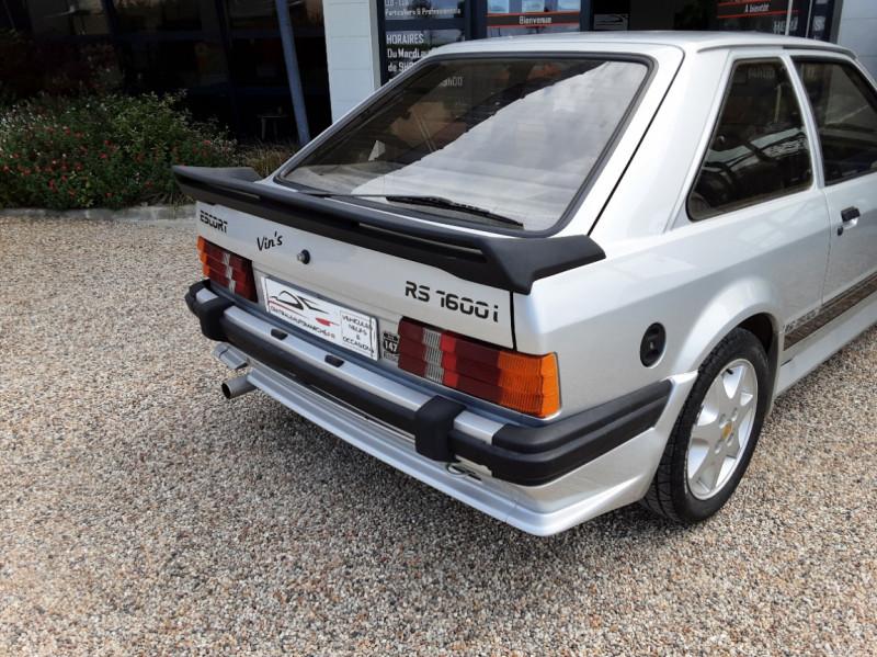 Photo 12 de l'offre de FORD ESCORT RS 1.6 i à 9900€ chez Centrale Auto Marché Mussidan