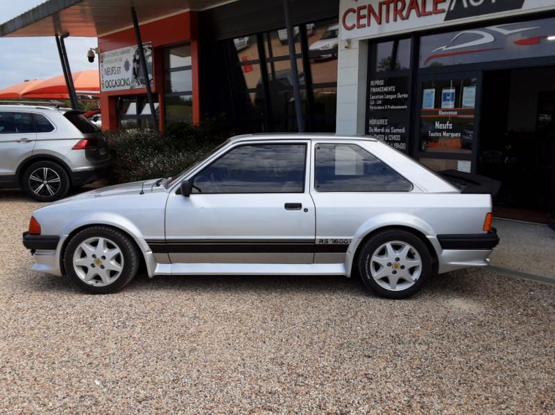 Photo 7 de l'offre de FORD ESCORT RS 1.6 i à 9900€ chez Centrale Auto Marché Mussidan