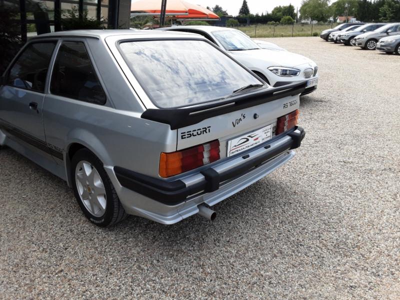 Photo 14 de l'offre de FORD ESCORT RS 1.6 i à 9900€ chez Centrale Auto Marché Mussidan