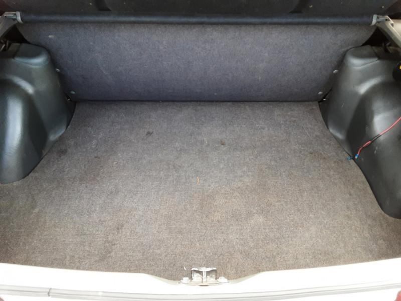 Photo 18 de l'offre de FORD ESCORT RS 1.6 i à 9900€ chez Centrale Auto Marché Mussidan