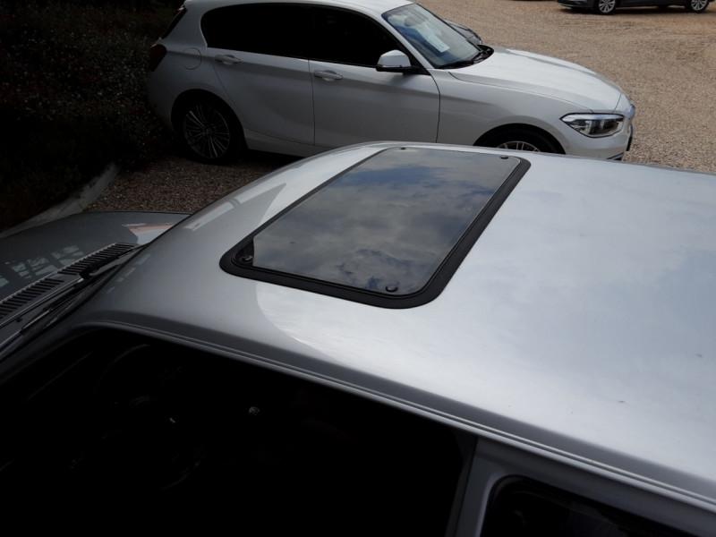 Photo 23 de l'offre de FORD ESCORT RS 1.6 i à 9900€ chez Centrale Auto Marché Mussidan