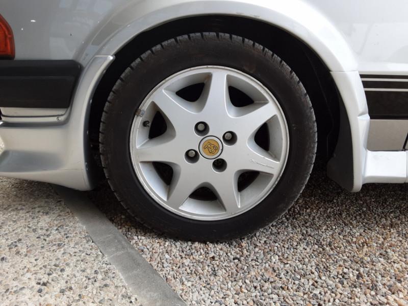 Photo 42 de l'offre de FORD ESCORT RS 1.6 i à 9900€ chez Centrale Auto Marché Mussidan