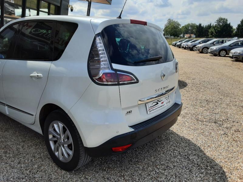 Photo 11 de l'offre de RENAULT SCENIC Scenic dCi 110 Energy eco2 Zen à 7600€ chez Centrale Auto Marché Mussidan