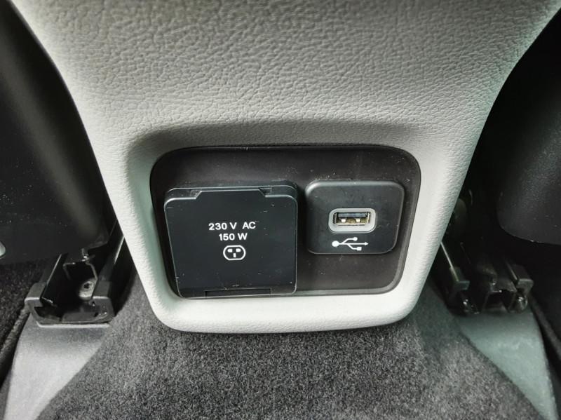 Photo 20 de l'offre de JEEP COMPASS 2.0 I 140 ch 4x4 BVM6 Limited à 19490€ chez Centrale Auto Marché Mussidan