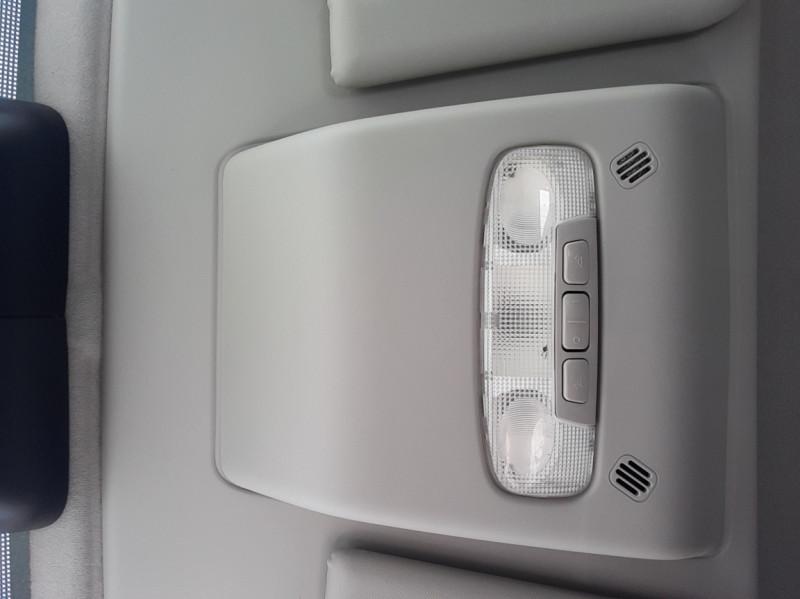 Photo 30 de l'offre de FORD TRANSIT FOURGON L3H2 2.0 TDCI 105CH TREND BUSINESS à 18500€ chez Centrale Auto Marché Mussidan