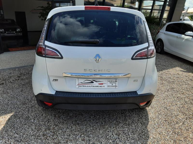 Photo 14 de l'offre de RENAULT SCENIC Scenic dCi 110 Energy eco2 Zen à 7600€ chez Centrale Auto Marché Mussidan