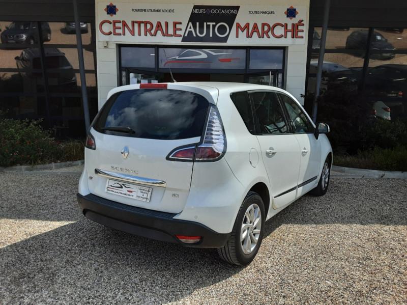 Photo 8 de l'offre de RENAULT SCENIC Scenic dCi 110 Energy eco2 Zen à 7600€ chez Centrale Auto Marché Mussidan
