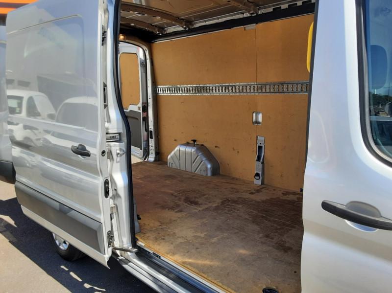Photo 18 de l'offre de FORD TRANSIT FOURGON L3H2 2.0 TDCI 105CH TREND BUSINESS à 18500€ chez Centrale Auto Marché Mussidan