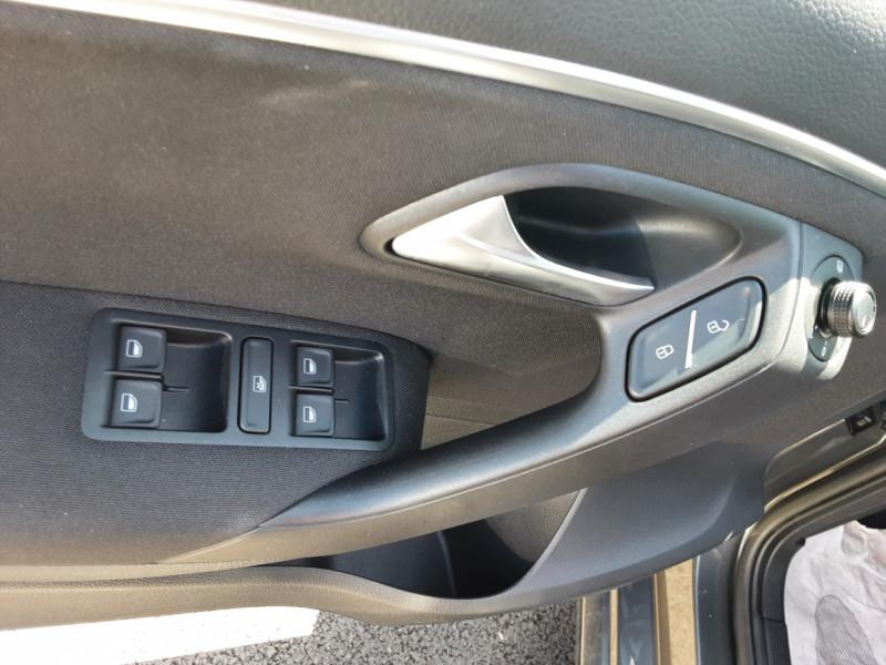 Photo 40 de l'offre de VOLKSWAGEN POLO 1.4 TDI 75 BMT Confortline à 10900€ chez Centrale Auto Marché Mussidan