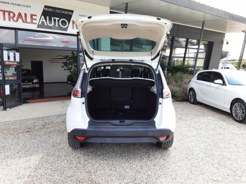 Photo 16 de l'offre de RENAULT SCENIC Scenic dCi 110 Energy eco2 Zen à 7600€ chez Centrale Auto Marché Mussidan