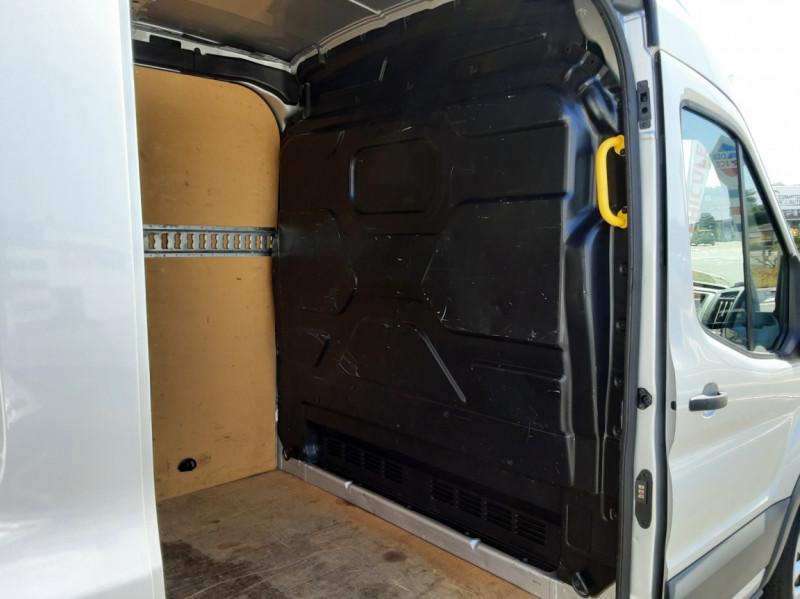 Photo 25 de l'offre de FORD TRANSIT FOURGON L3H2 2.0 TDCI 105CH TREND BUSINESS à 18500€ chez Centrale Auto Marché Mussidan