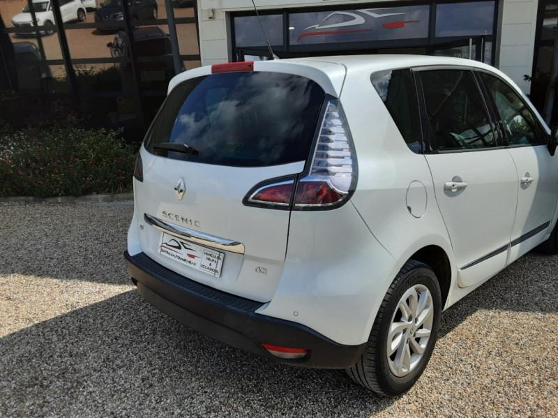 Photo 15 de l'offre de RENAULT SCENIC Scenic dCi 110 Energy eco2 Zen à 7600€ chez Centrale Auto Marché Mussidan