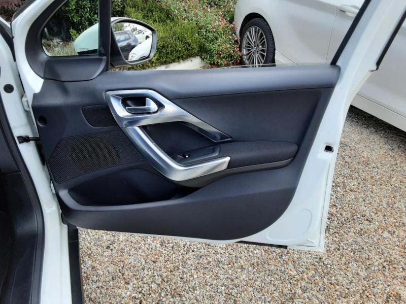Photo 33 de l'offre de PEUGEOT 2008 1.6 BlueHDi 100ch SetS BVM5 Allure Business à 11490€ chez Centrale Auto Marché Mussidan