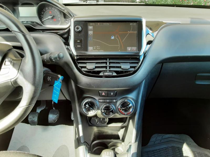 Photo 33 de l'offre de PEUGEOT 208 1.6 BlueHDi 75ch SetS BVM5 Active Business à 10490€ chez Centrale Auto Marché Mussidan