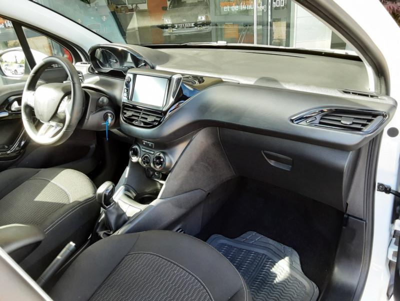 Photo 32 de l'offre de PEUGEOT 208 1.6 BlueHDi 75ch SetS BVM5 Active Business à 10490€ chez Centrale Auto Marché Mussidan