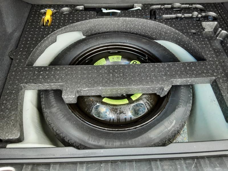 Photo 16 de l'offre de PEUGEOT 2008 1.6 BlueHDi 100ch SetS BVM5 Allure Business à 11490€ chez Centrale Auto Marché Mussidan