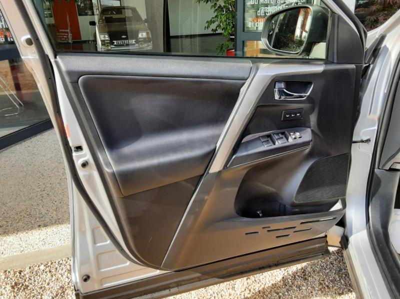Photo 16 de l'offre de TOYOTA RAV4 RAV4 Hybride Pro 2WD Collection à 22990€ chez Centrale Auto Marché Mussidan