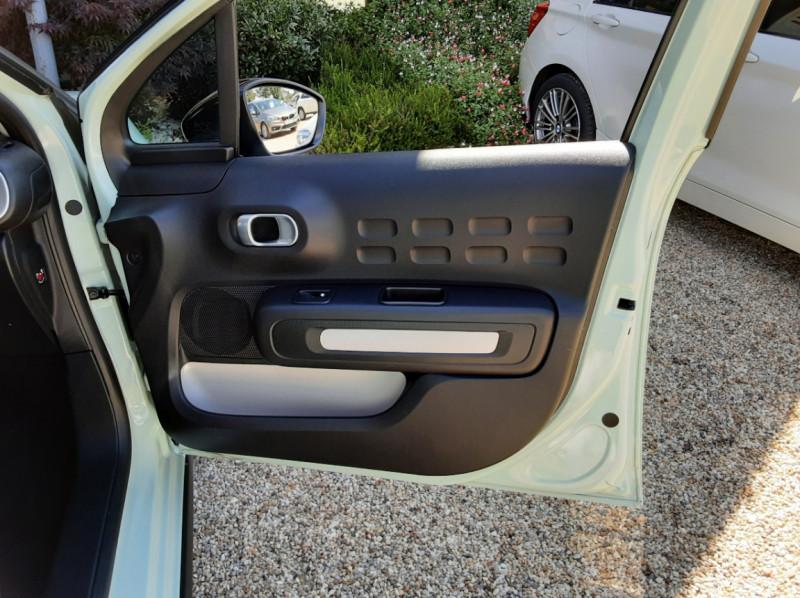 Photo 25 de l'offre de CITROEN C3 PureTech 82 Feel à 10990€ chez Centrale Auto Marché Mussidan
