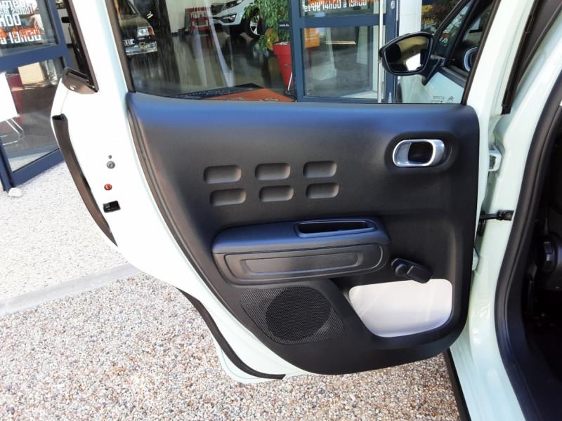 Photo 23 de l'offre de CITROEN C3 PureTech 82 Feel à 10990€ chez Centrale Auto Marché Mussidan