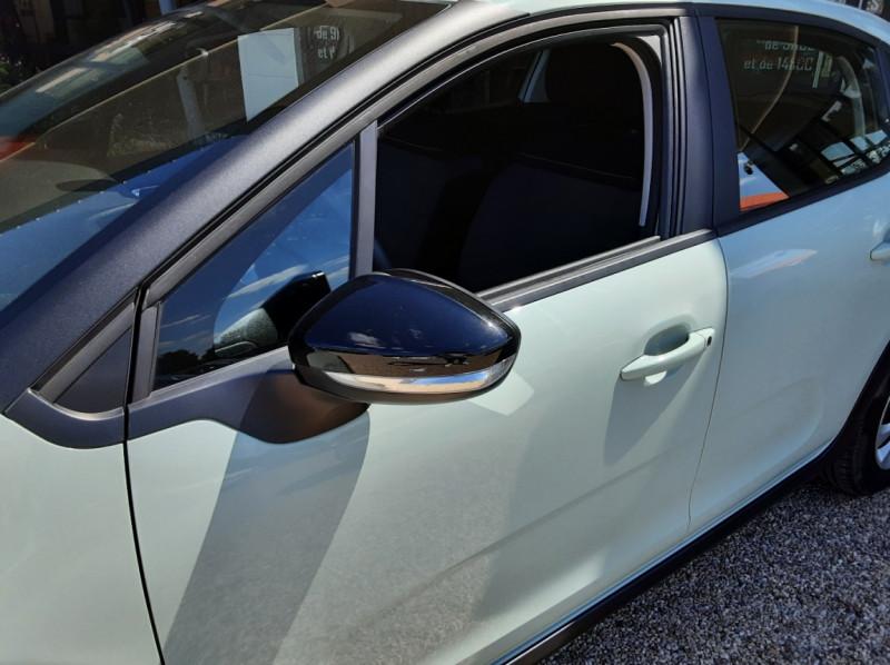 Photo 7 de l'offre de CITROEN C3 PureTech 82 Feel à 10990€ chez Centrale Auto Marché Mussidan