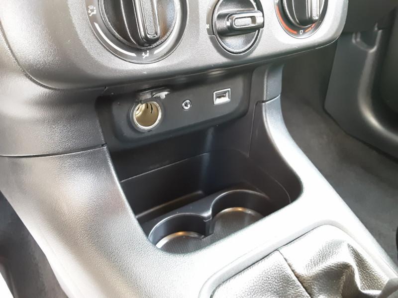 Photo 48 de l'offre de CITROEN C3 PureTech 82 Feel à 10990€ chez Centrale Auto Marché Mussidan