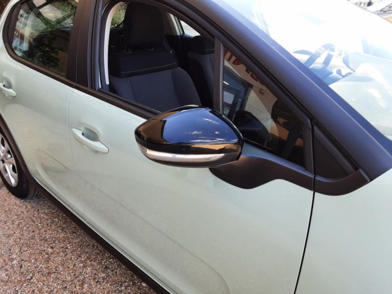 Photo 15 de l'offre de CITROEN C3 PureTech 82 Feel à 10990€ chez Centrale Auto Marché Mussidan