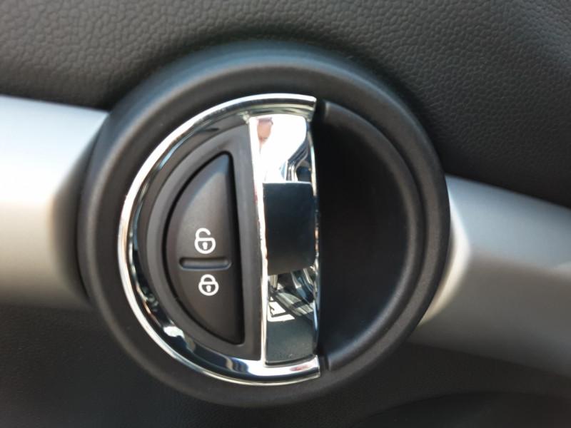 Photo 49 de l'offre de MINI MINI Cooper D 116 ch Edition Shoreditch A à 20500€ chez Centrale Auto Marché Mussidan