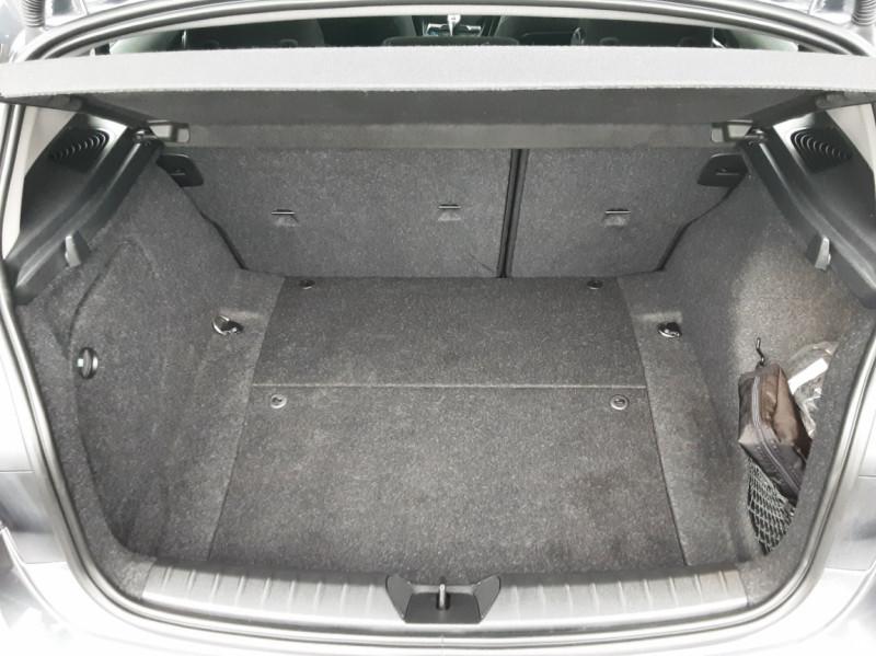 Photo 9 de l'offre de BMW SERIE 1 116d 116 ch SPORT  à 19990€ chez Centrale Auto Marché Mussidan