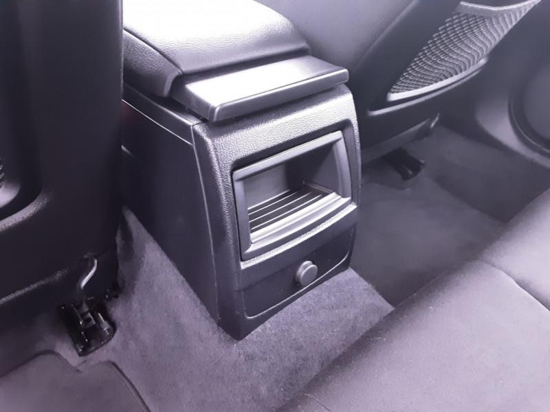 Photo 23 de l'offre de BMW SERIE 1 116d 116 ch SPORT  à 19990€ chez Centrale Auto Marché Mussidan
