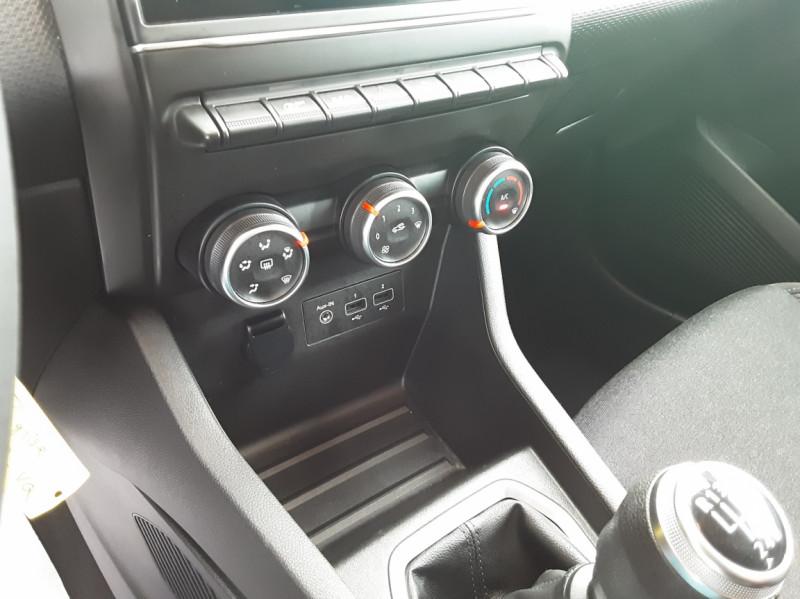 Photo 49 de l'offre de RENAULT CLIO Blue dCi 85 Business à 14890€ chez Centrale Auto Marché Mussidan