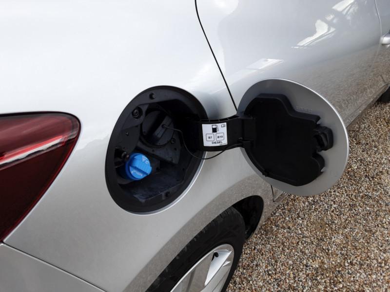 Photo 28 de l'offre de RENAULT CLIO Blue dCi 85 Business à 14890€ chez Centrale Auto Marché Mussidan