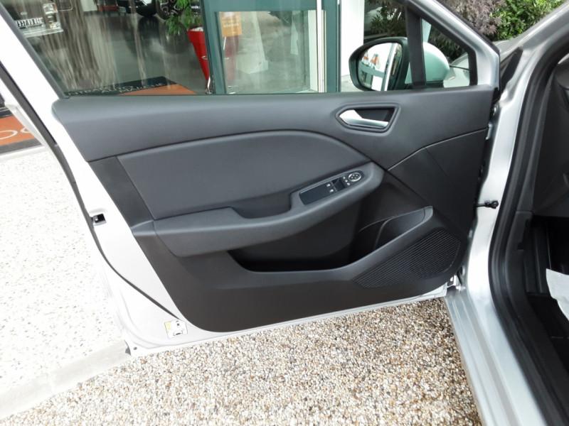 Photo 18 de l'offre de RENAULT CLIO Blue dCi 85 Business à 14890€ chez Centrale Auto Marché Mussidan