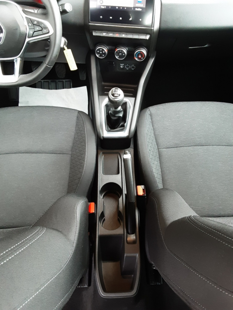 Photo 41 de l'offre de RENAULT CLIO Blue dCi 85 Business à 14890€ chez Centrale Auto Marché Mussidan