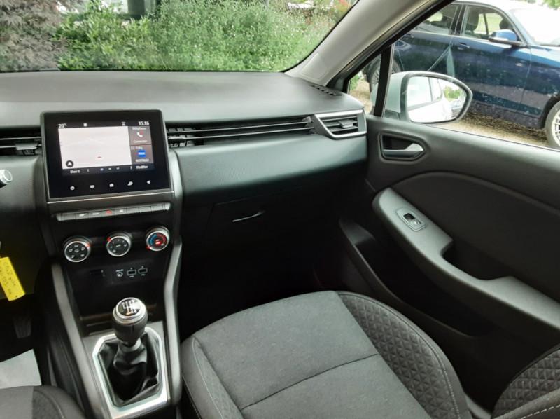 Photo 33 de l'offre de RENAULT CLIO Blue dCi 85 Business à 14890€ chez Centrale Auto Marché Mussidan