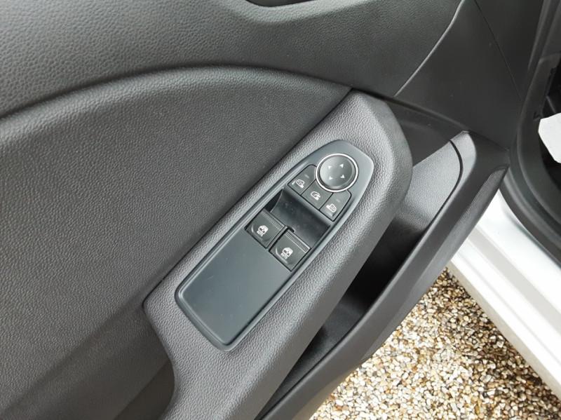 Photo 21 de l'offre de RENAULT CLIO Blue dCi 85 Business à 14890€ chez Centrale Auto Marché Mussidan
