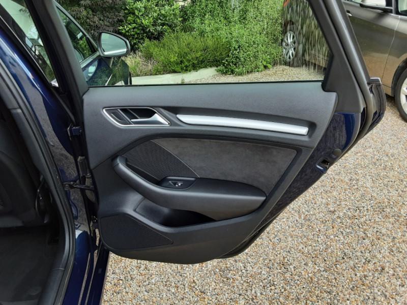 Photo 24 de l'offre de AUDI A3 Sportback 2.0 TDI 150 S tronic 6 Business line à 20990€ chez Centrale Auto Marché Mussidan