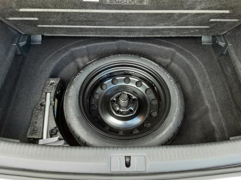 Photo 28 de l'offre de VOLKSWAGEN GOLF 7  TDI 115 BMT FAP Confortline Business à 17800€ chez Centrale Auto Marché Mussidan