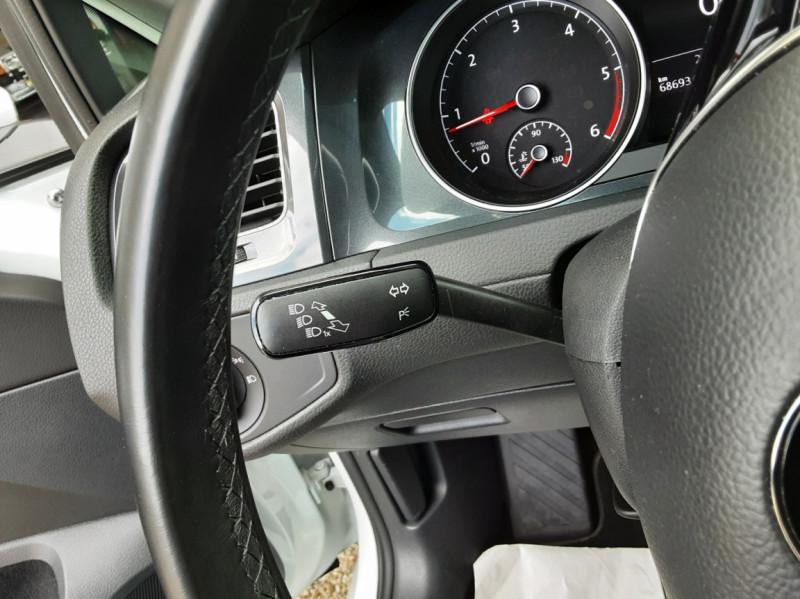 Photo 44 de l'offre de VOLKSWAGEN GOLF 7  TDI 115 BMT FAP Confortline Business à 17800€ chez Centrale Auto Marché Mussidan