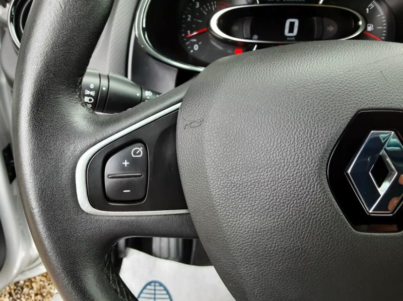 Photo 49 de l'offre de RENAULT CLIO IV dCi 90 Energy eco2 82g Business à 9990€ chez Centrale Auto Marché Mussidan