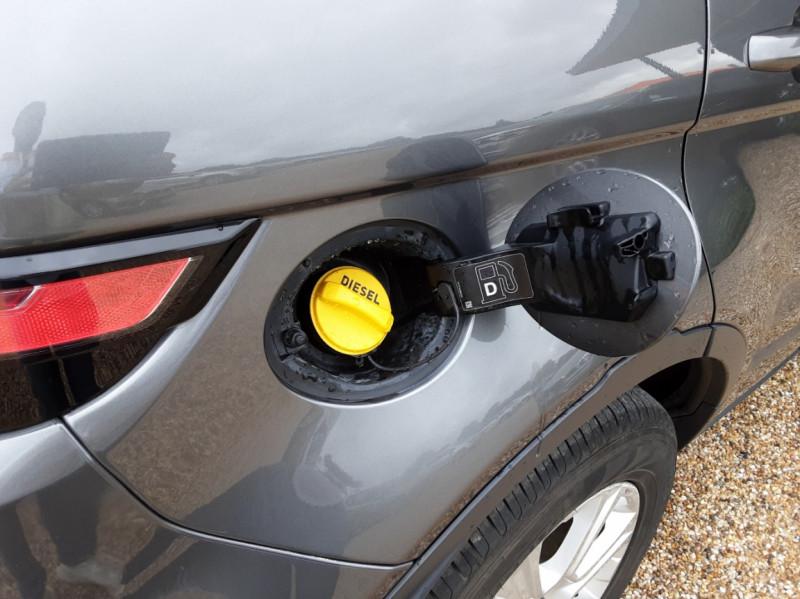 Photo 34 de l'offre de LAND-ROVER RANGE ROVER Evoque TD4 150 BVA SE Dynamic  à 31490€ chez Centrale Auto Marché Mussidan