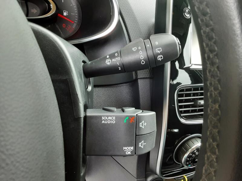 Photo 39 de l'offre de RENAULT CLIO IV dCi 90 Energy eco2 82g Business à 9990€ chez Centrale Auto Marché Mussidan