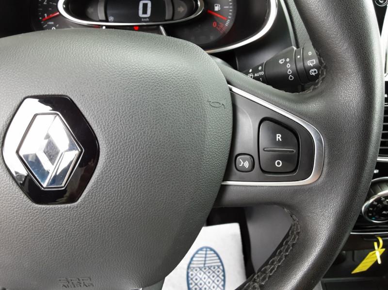 Photo 36 de l'offre de RENAULT CLIO IV dCi 90 Energy eco2 82g Business à 9990€ chez Centrale Auto Marché Mussidan