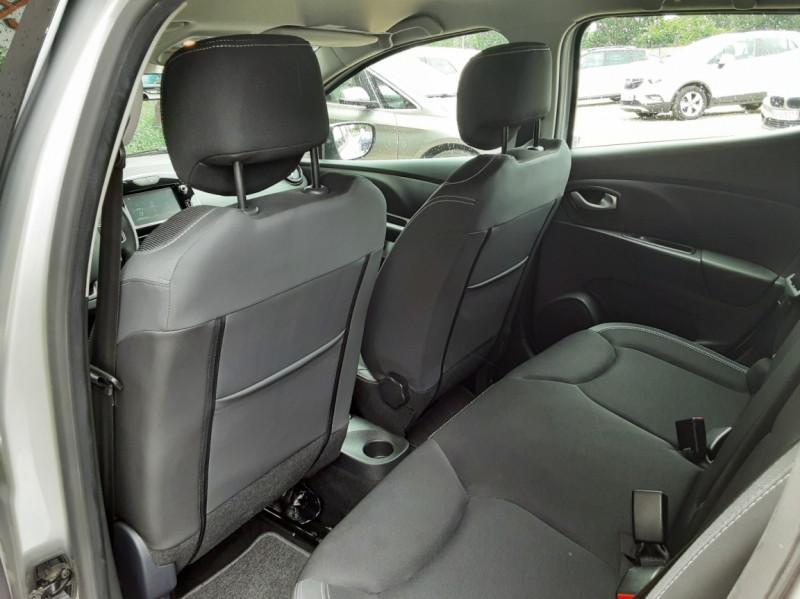 Photo 21 de l'offre de RENAULT CLIO IV dCi 90 Energy eco2 82g Business à 9990€ chez Centrale Auto Marché Mussidan