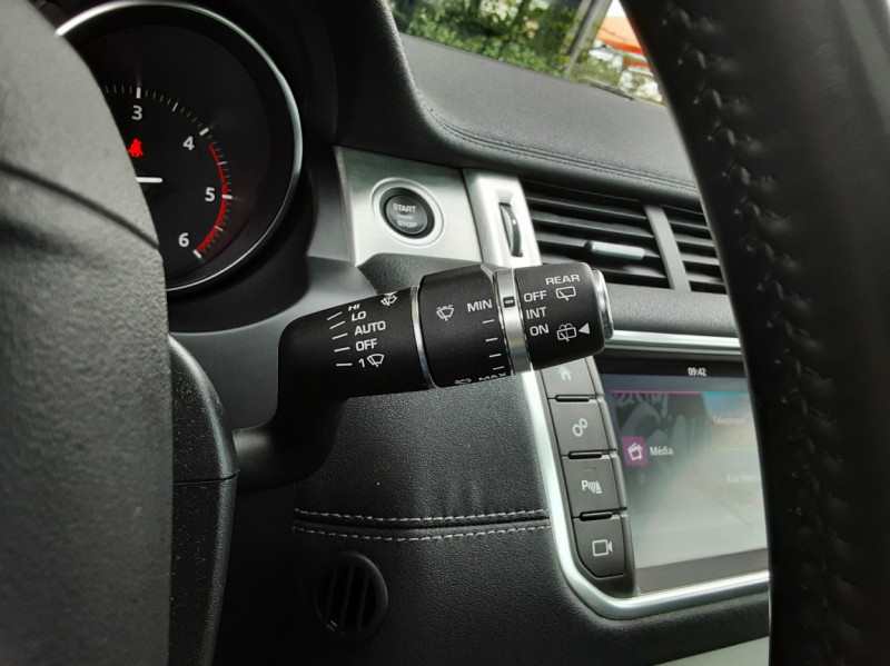 Photo 46 de l'offre de LAND-ROVER RANGE ROVER Evoque TD4 150 BVA SE Dynamic  à 31490€ chez Centrale Auto Marché Mussidan