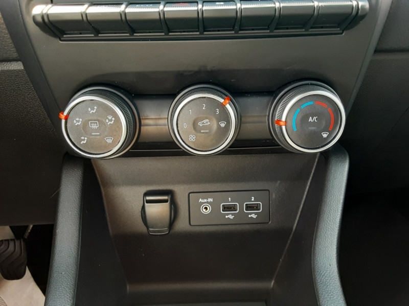 Photo 44 de l'offre de RENAULT CLIO Blue dCi 85 Business à 14700€ chez Centrale Auto Marché Mussidan
