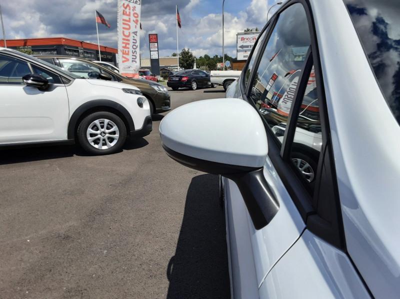 Photo 30 de l'offre de RENAULT CLIO Blue dCi 85 Business à 14700€ chez Centrale Auto Marché Mussidan